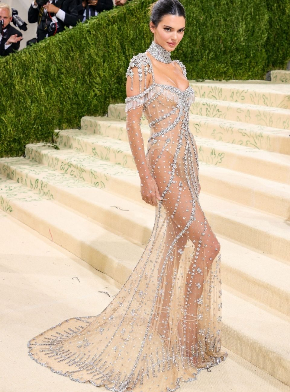 kendall jenner met gala givenchy